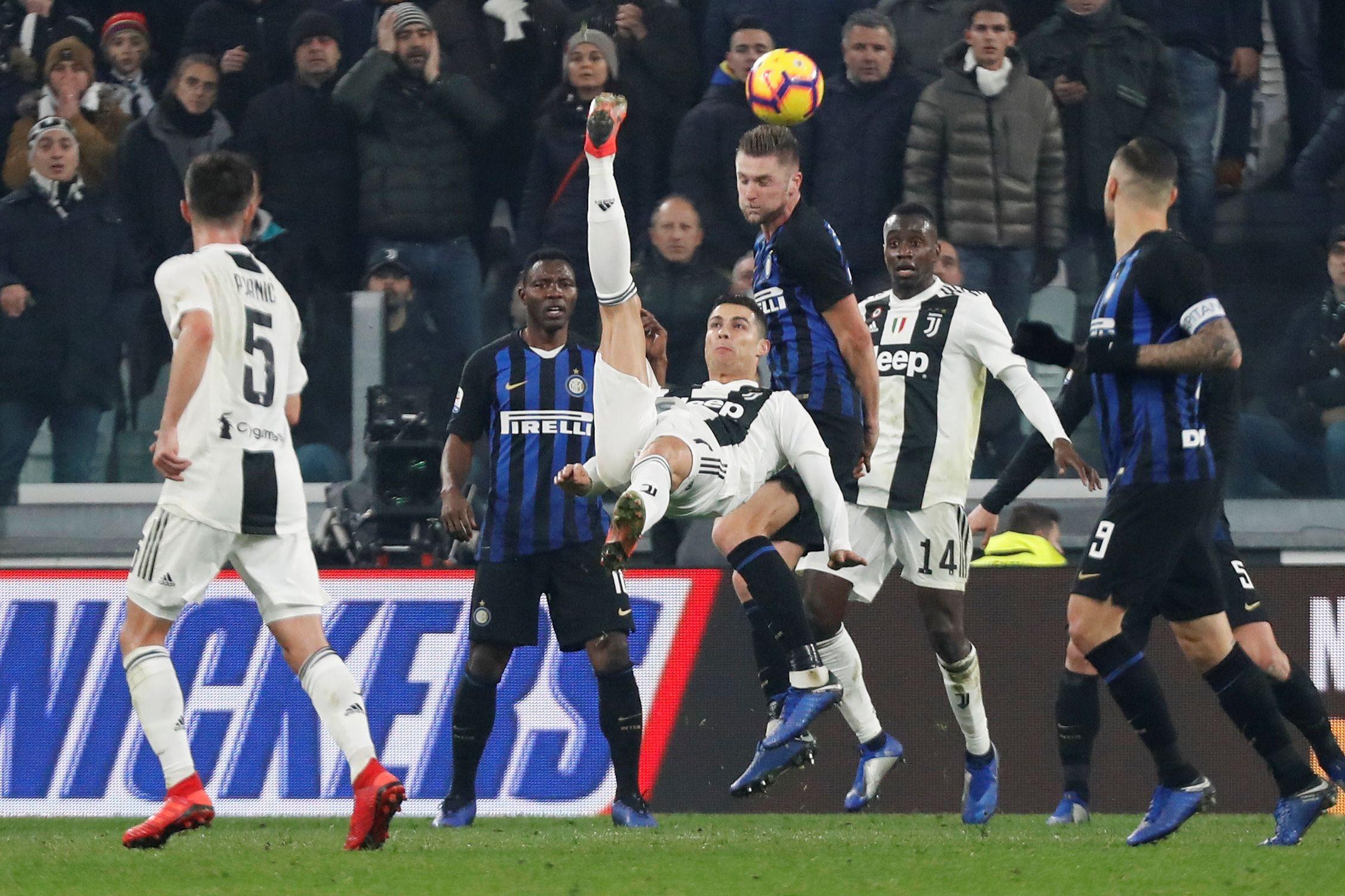 Juventus de CR7 e Cancelo (em grande) vence Inter de João Mário