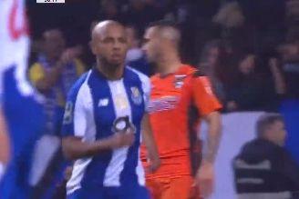 Danilo levou tudo à frente e Brahimi deixou Ricardo Ferreira 'pregado'
