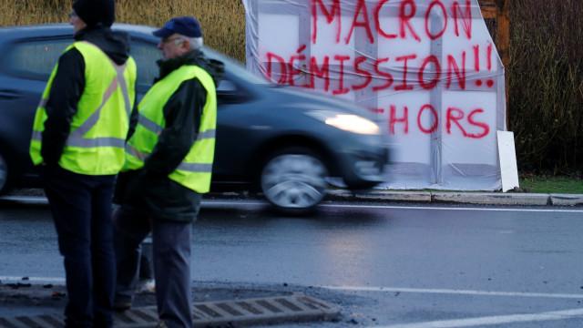Coletes amarelos voltam hoje às ruas. Paris preparou medidas preventivas