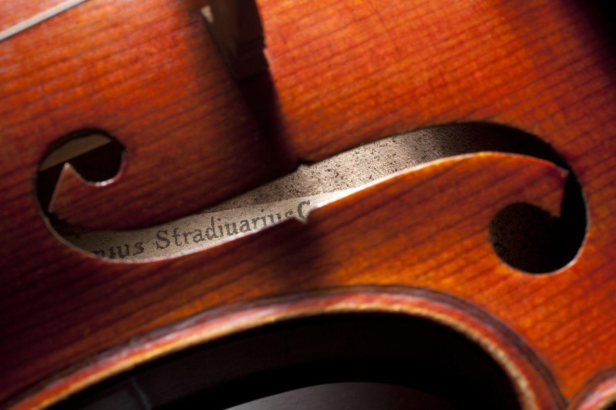 Violino de três milhões de euros apreendido em Sevilha continua sem dono