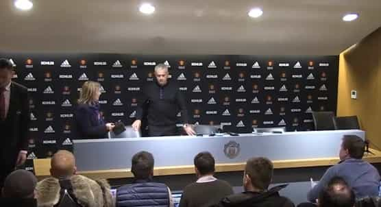 Falta de água na sala de imprensa motiva recado de Mourinho à direção