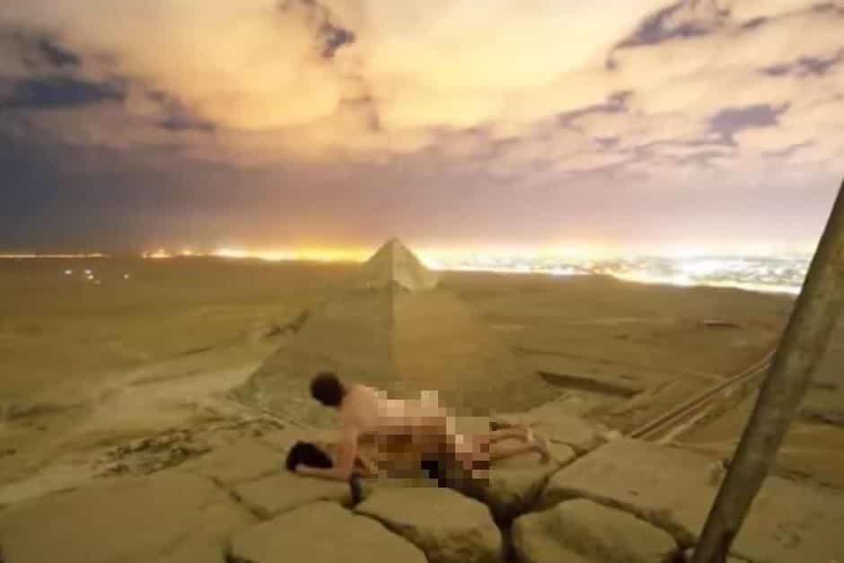 Egito investiga vídeo com teor sexual feito por casal no topo de pirâmide