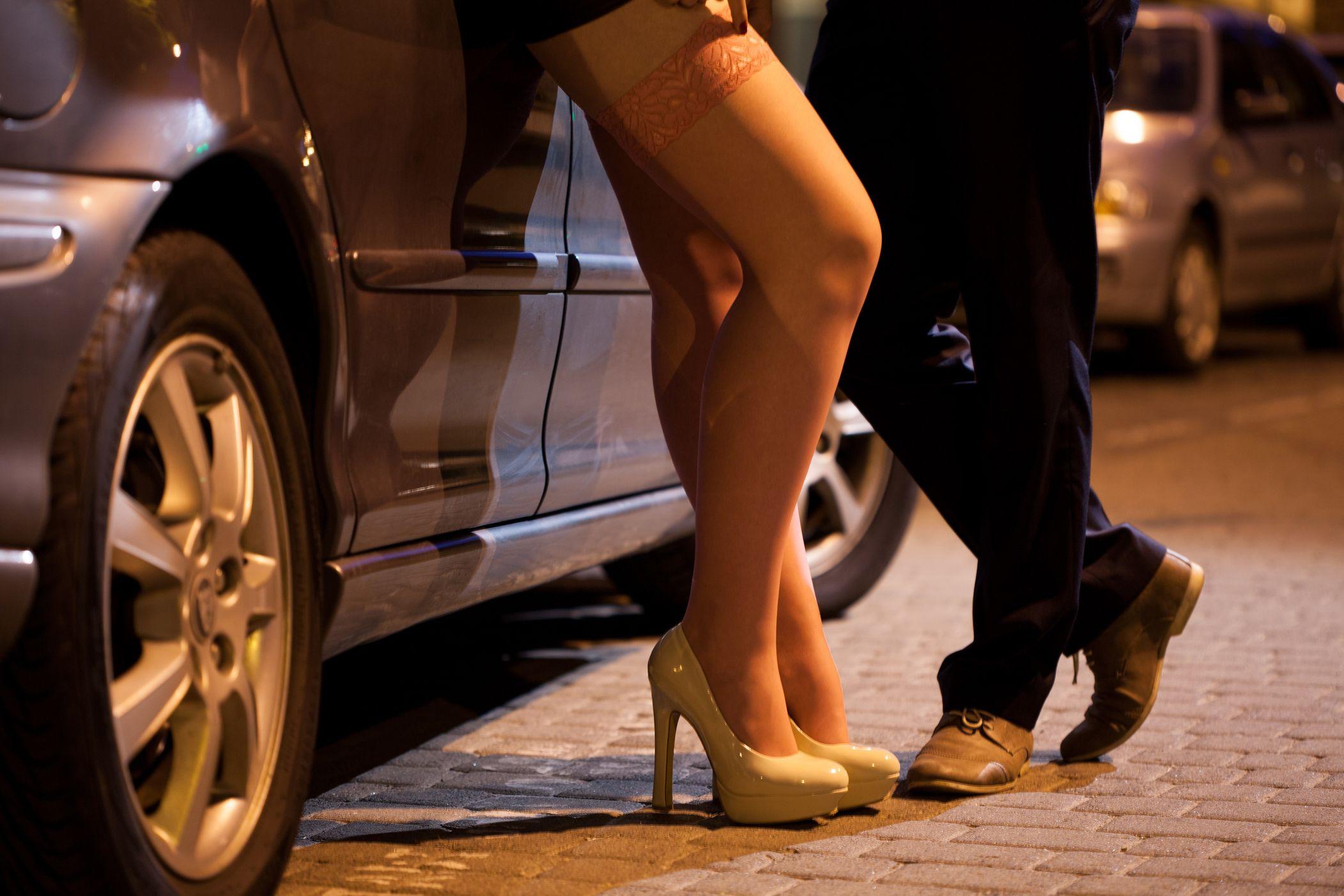 Mulheres enganadas com falso emprego e obrigadas a prostituírem-se