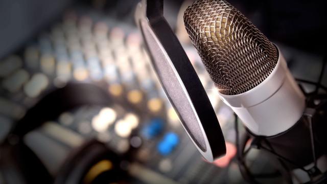 Morreu Francisco Amaral, realizador do programa de rádio 'Íntima Fração'