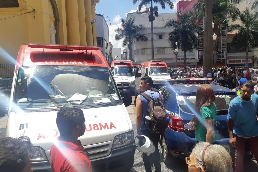 Tiroteio em igreja faz cinco mortos no Brasil