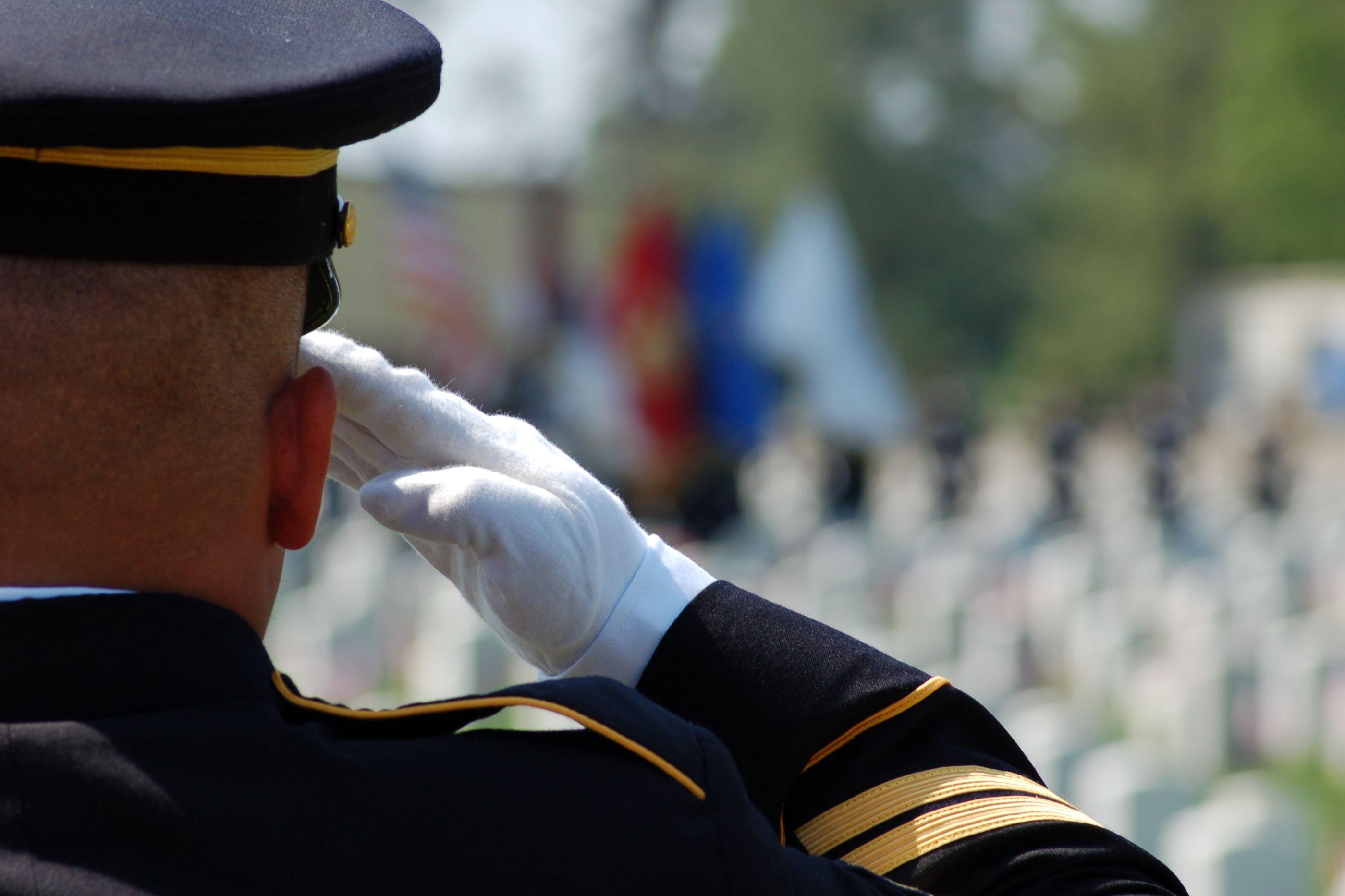 """A homenagem da Marinha a um camarada com cancro. """"Estamos contigo"""""""