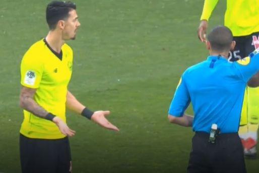 José Fonte insultou o árbitro assistente e foi expulso no Nimes-Lille