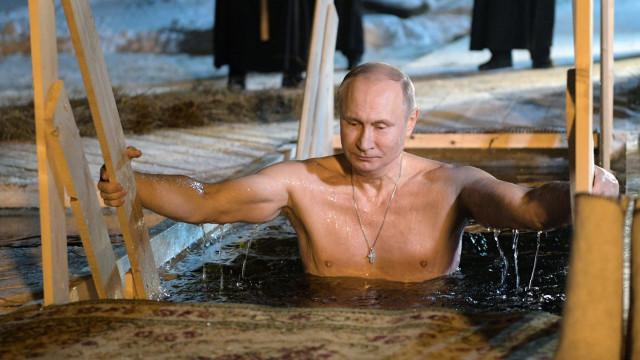 Calendário de 2019 mais vendido no Japão tem fotografias de... Putin