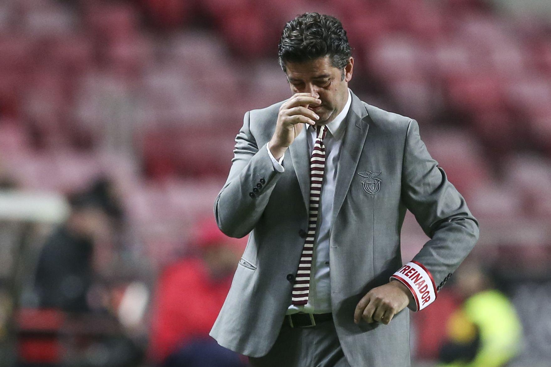 Rui Vitória já não é treinador do Benfica. Bruno Lage assume equipa