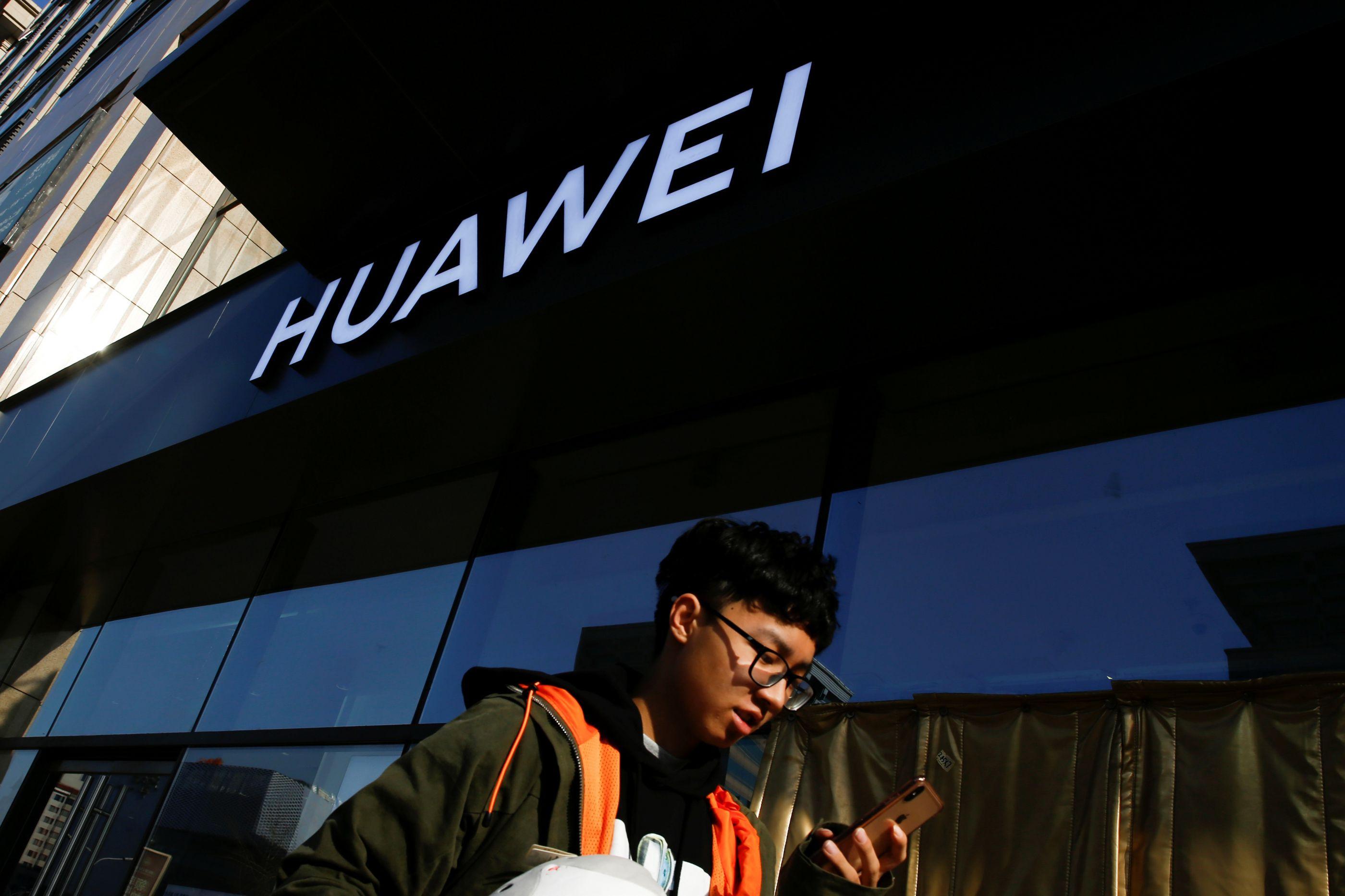 Huawei prevê vendas a operadoras a crescer pelo menos 10% com 5G
