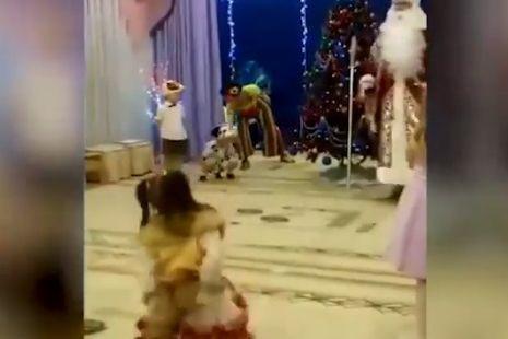 Pai Natal morre durante atuação em escola primária