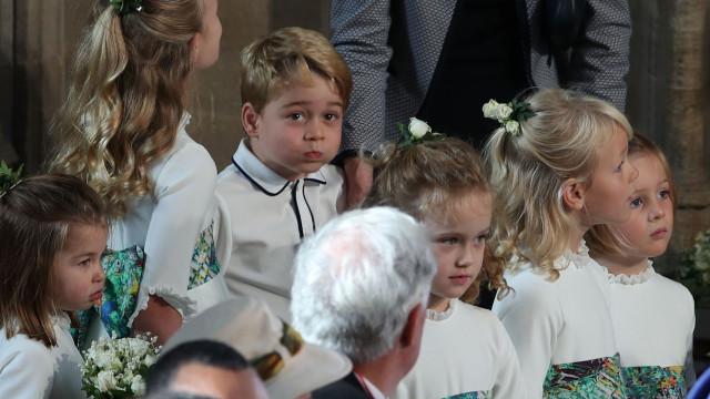 O mau-humor do príncipe George na chegada ao palácio