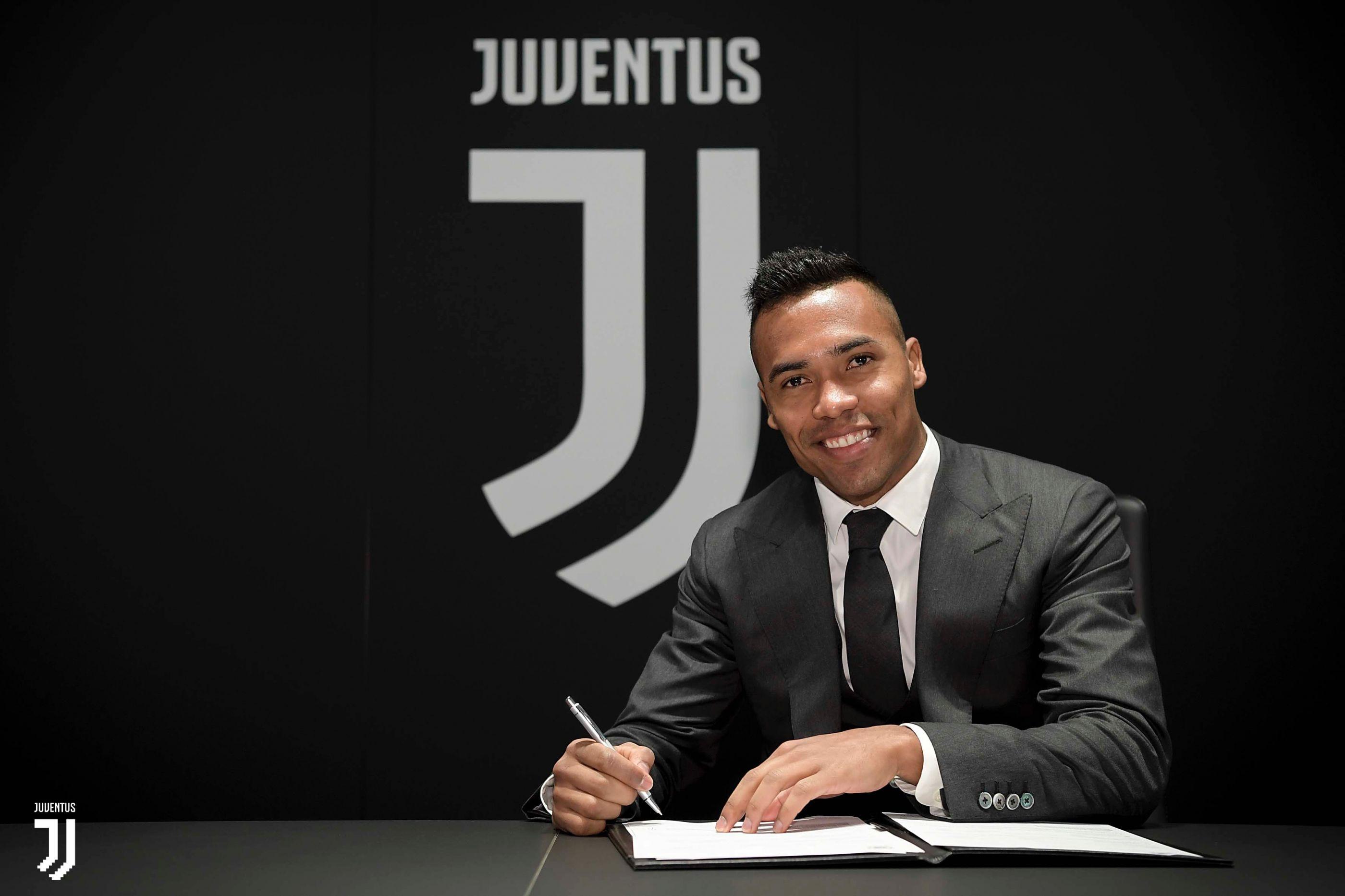 Oficial: Acabaram-se os rumores. Alex Sandro renova com a Juventus