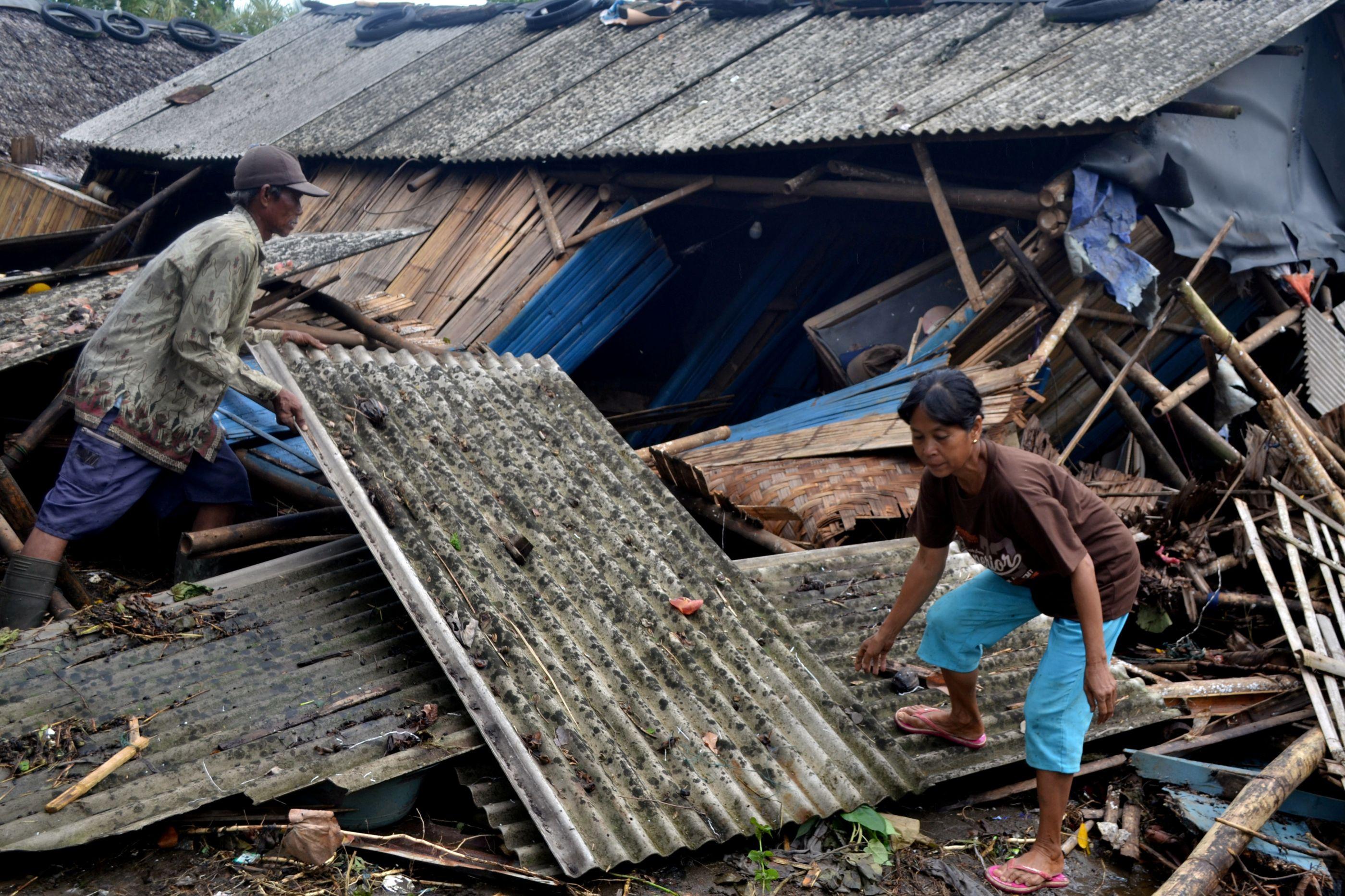 Número de mortos em tsunami sobe para 429. Há ainda 154 desaparecidos
