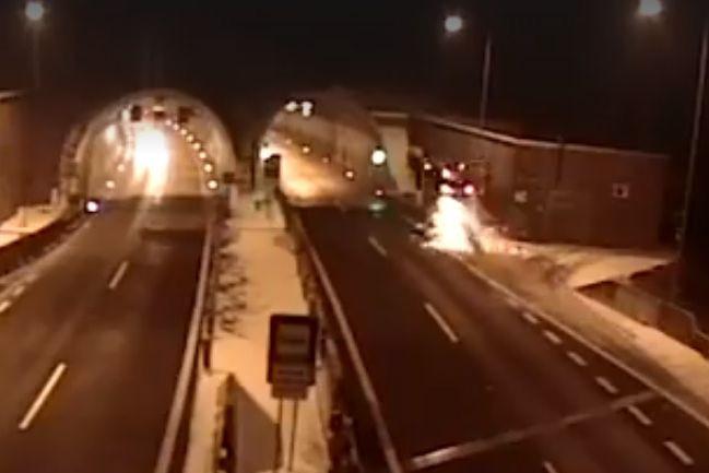 Condutor sobrevive a acidente em que carro 'voou'