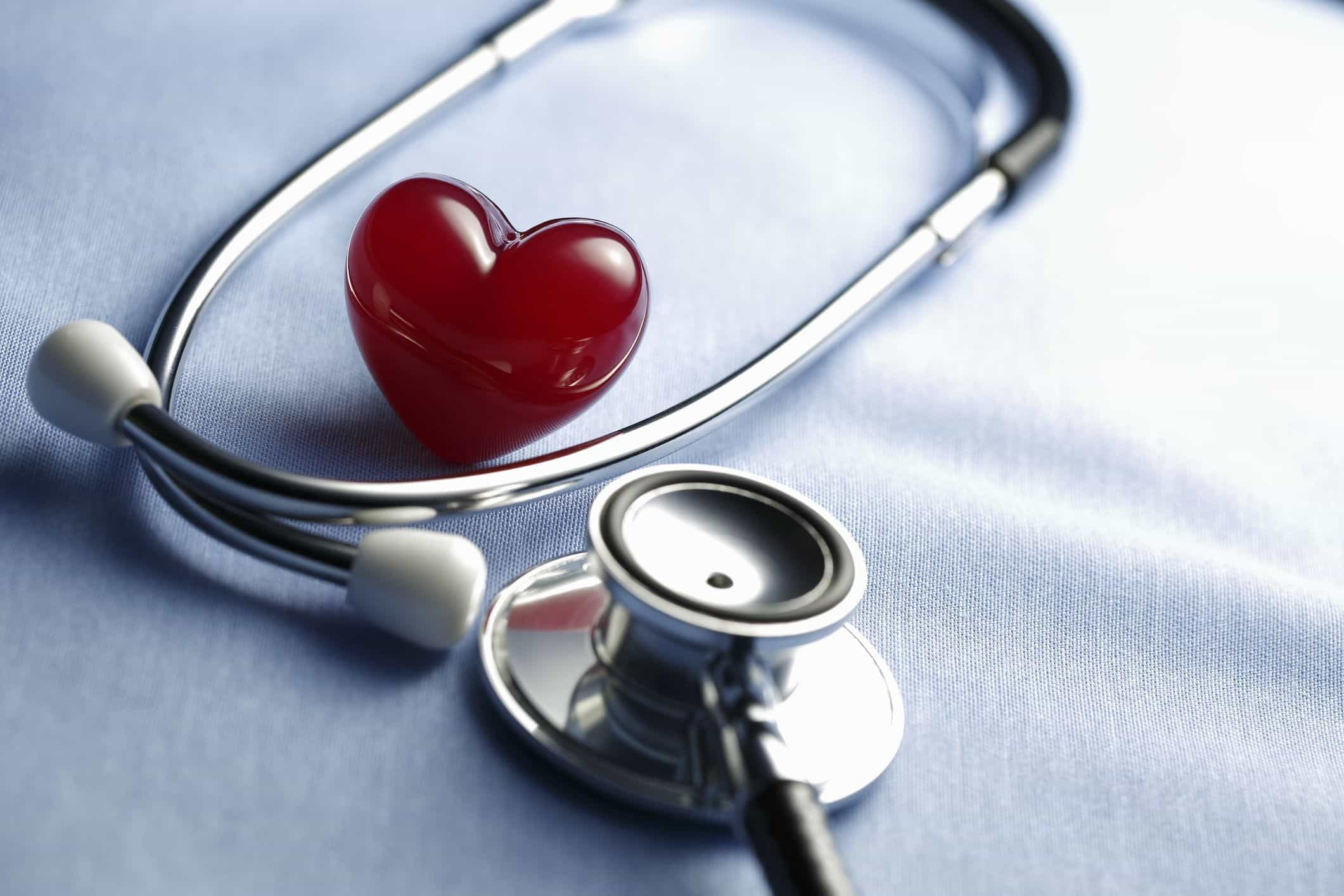 O que deve ter em conta antes de contratar um seguro de saúde