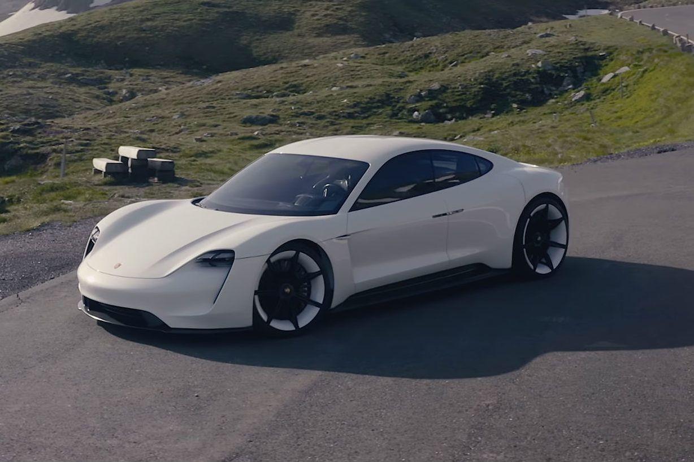 Porsche duplicou produção do seu carro elétrico