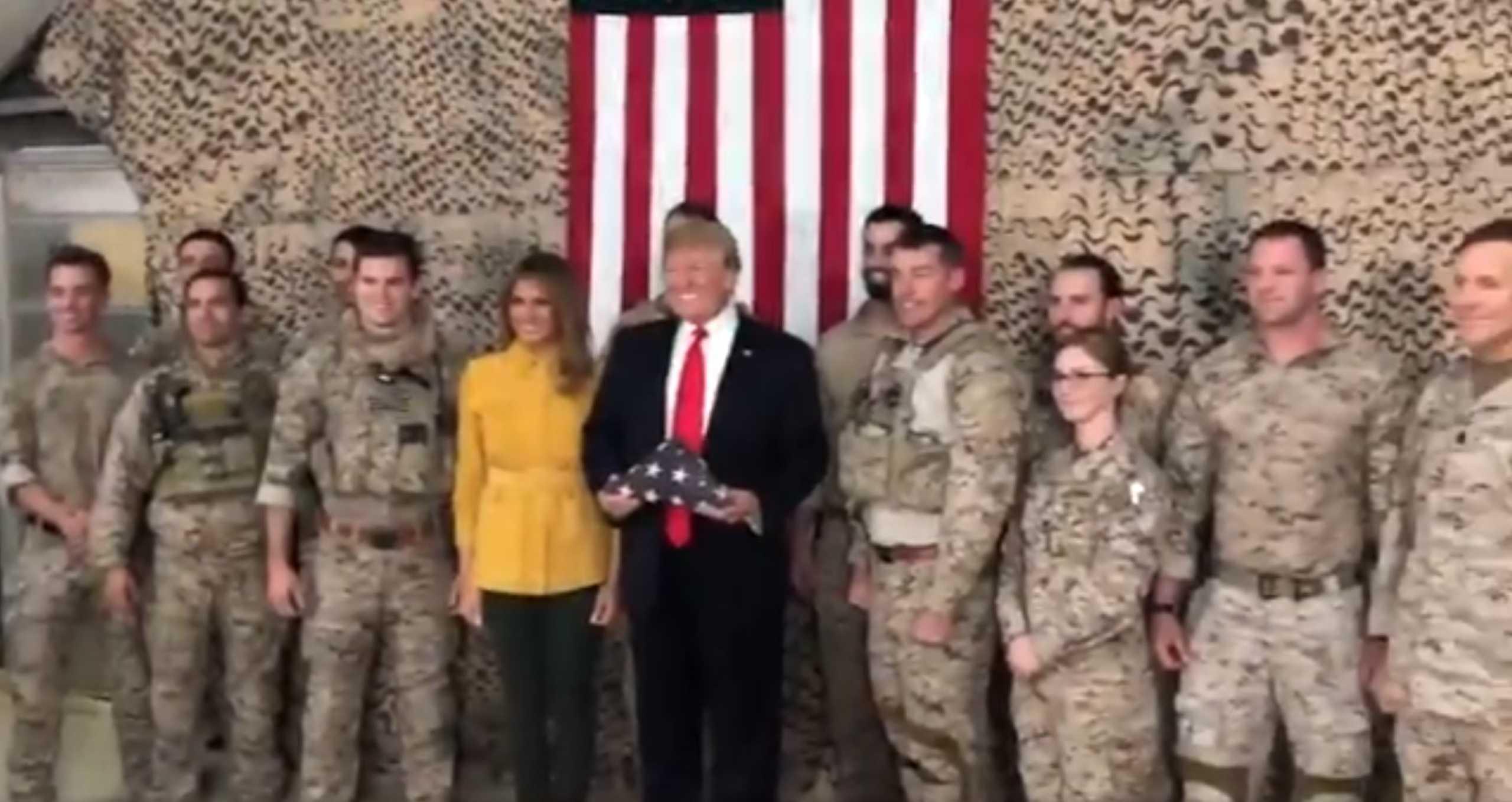 Trump quebra protocolo e revela localização e identidade de tropas
