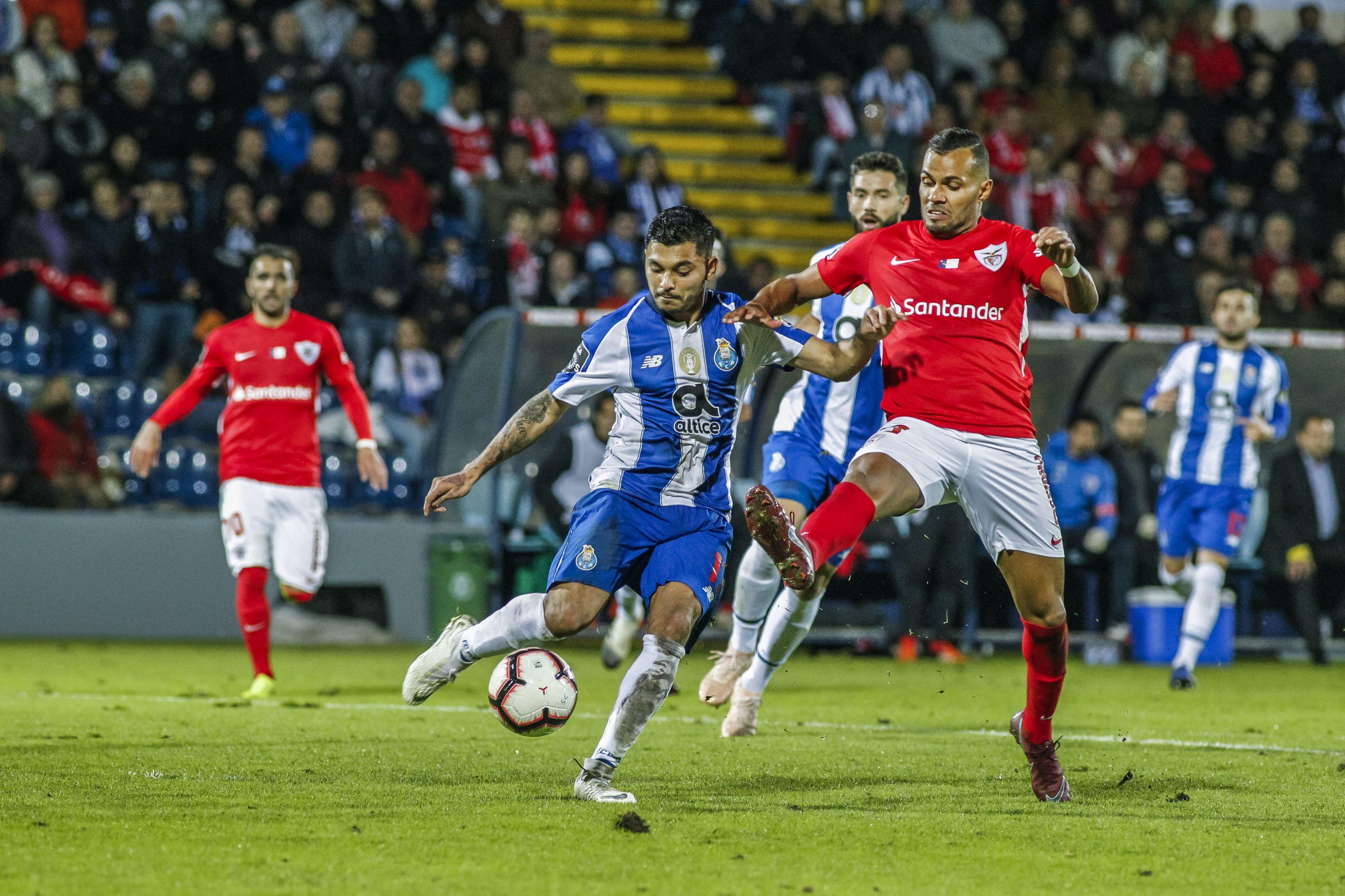 Negócio fechado. FC Porto ganha corrida ao Benfica por Fernando