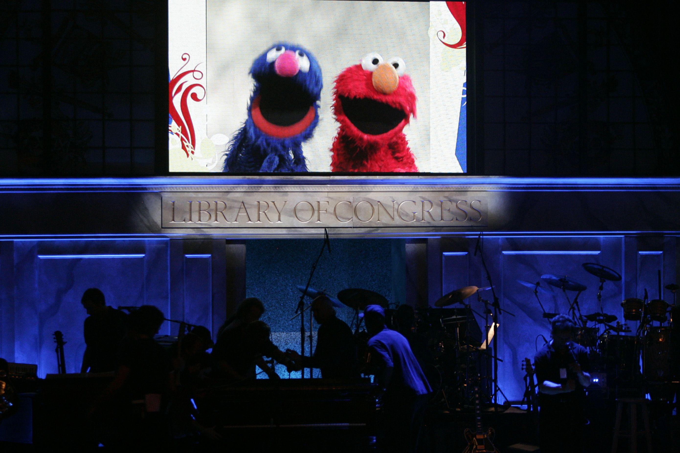 Discórdia na Rua Sésamo: Terá Grover dito uma asneira ou não?
