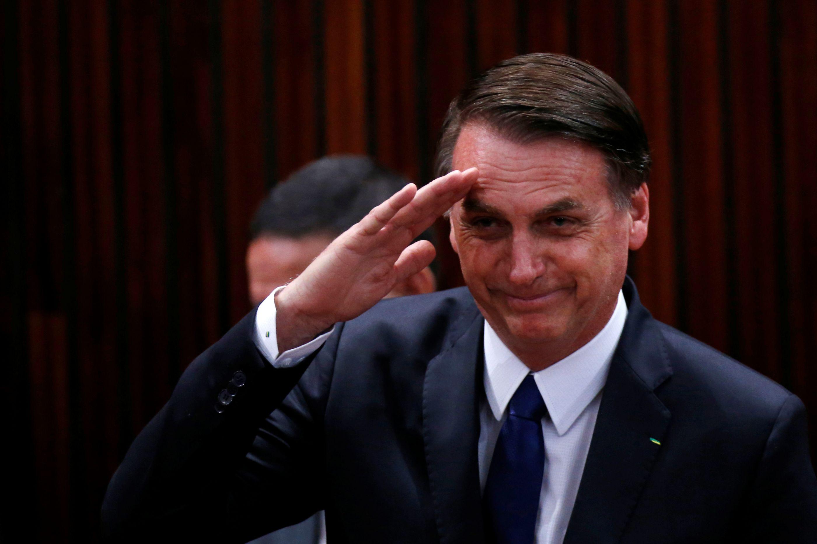Um em cada três brasileiros está com Bolsonaro: Ditadura é para celebrar