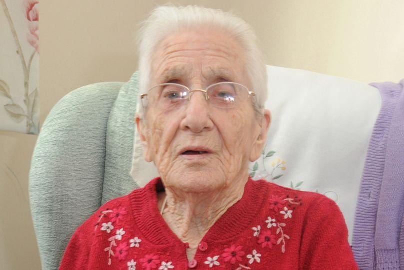 Aos 99 anos recebe carta de amor que lhe foi enviada há sete décadas