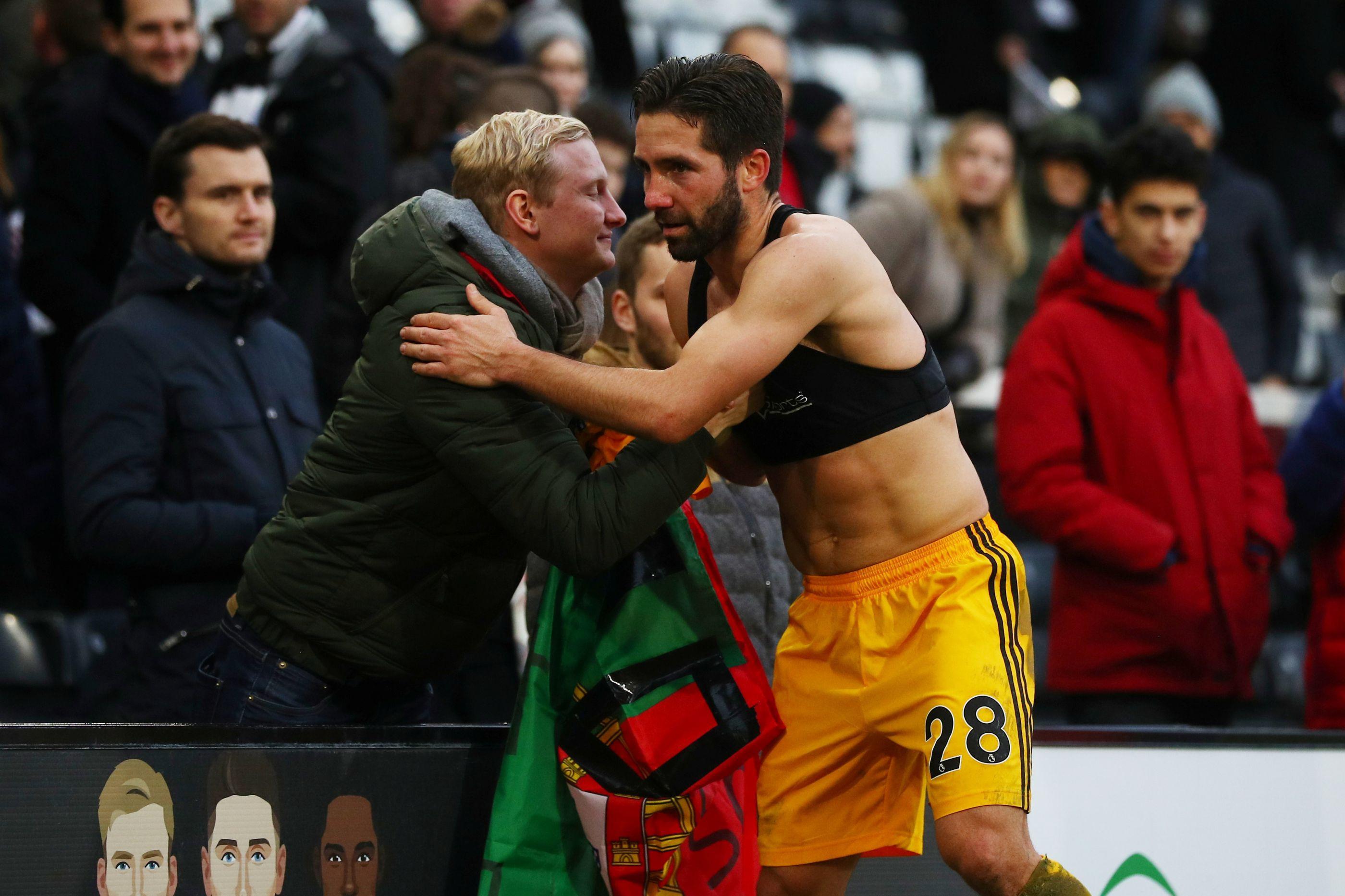Recital português em Wembley: Wolves 'chicoteia' o Tottenham na sua casa