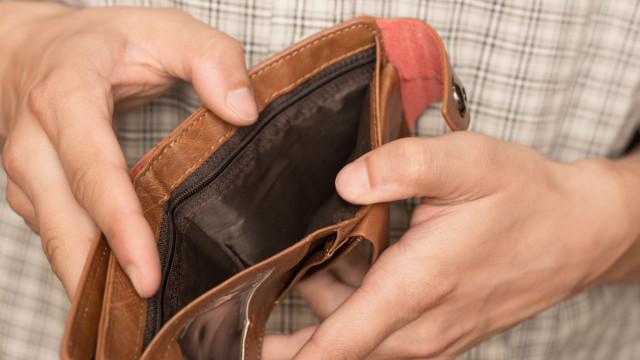 Estrangeiro foi a esquadra comunicar furto de carteira e acabou detido