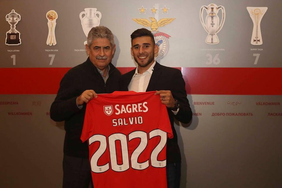 Salvio renova contrato com o Benfica