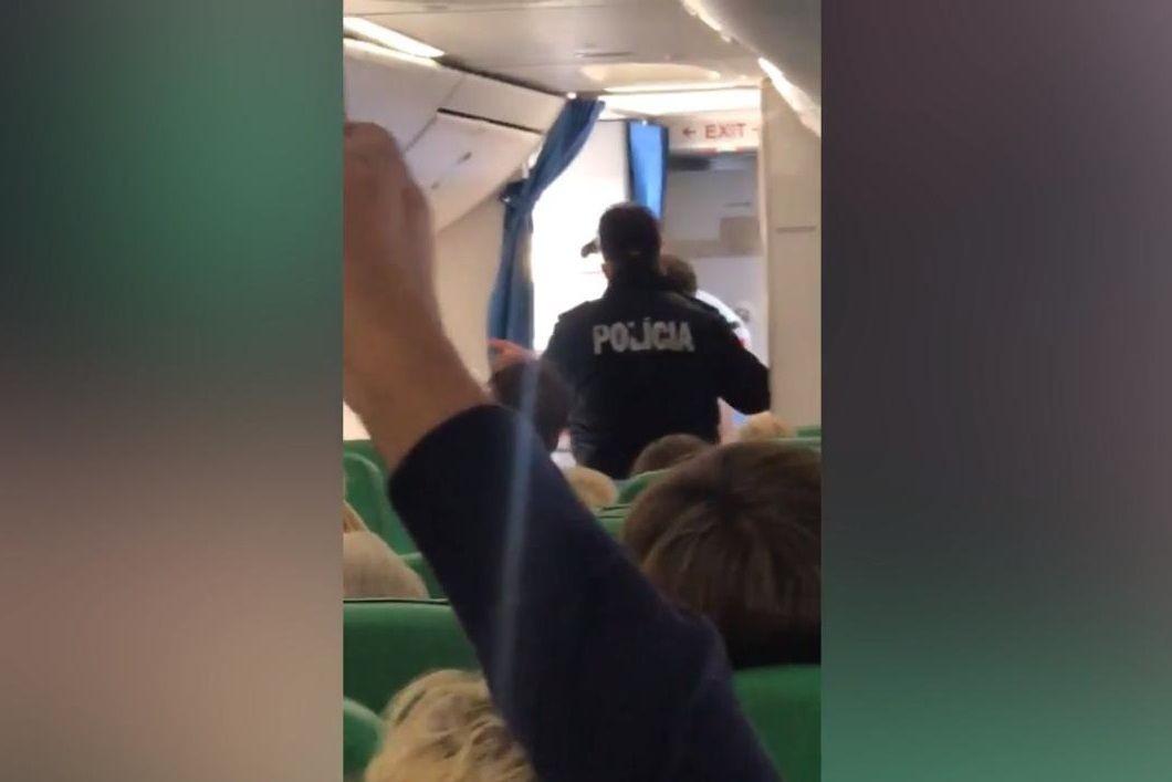 Britânico alcoolizado obriga avião a aterrar de emergência em Faro