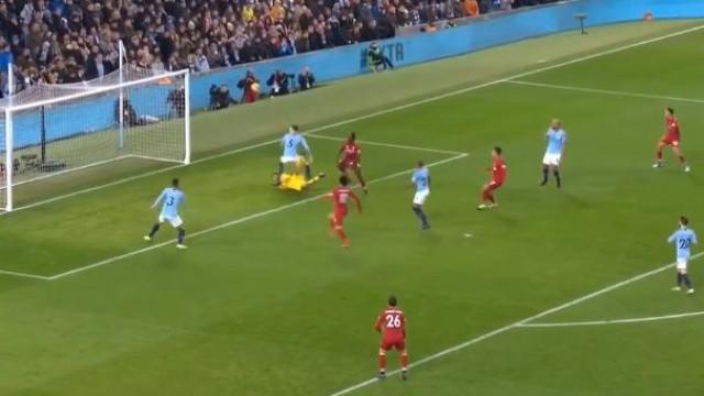 O lance de loucos no Manchester City-Liverpool que promete correr o mundo