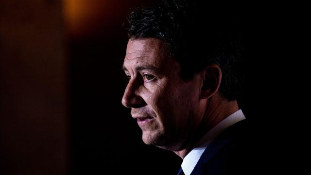 Porta-voz do Governo francês retirado do gabinete após invasão