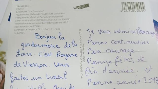 """Menino escreve carta à polícia. """"Admiro-vos muito"""""""