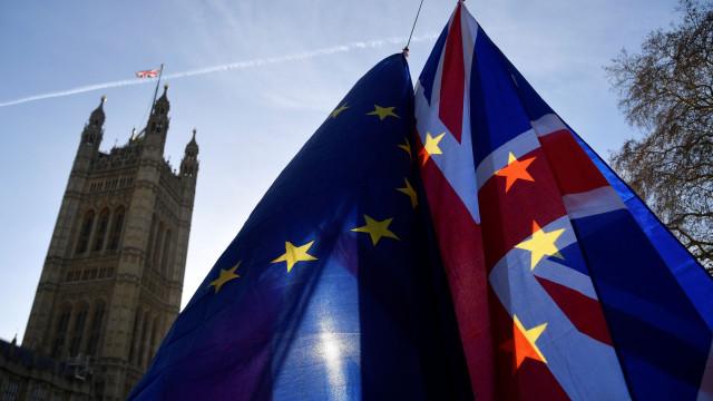 Brexit: Tarifas aduaneiras de saída podem custar 2% ao PIB britânico