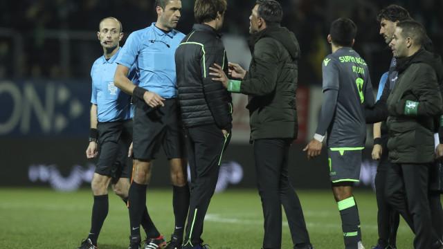 """Palavras que valeram suspensão: """"Vieste aqui encomendado pelo Benfica"""""""