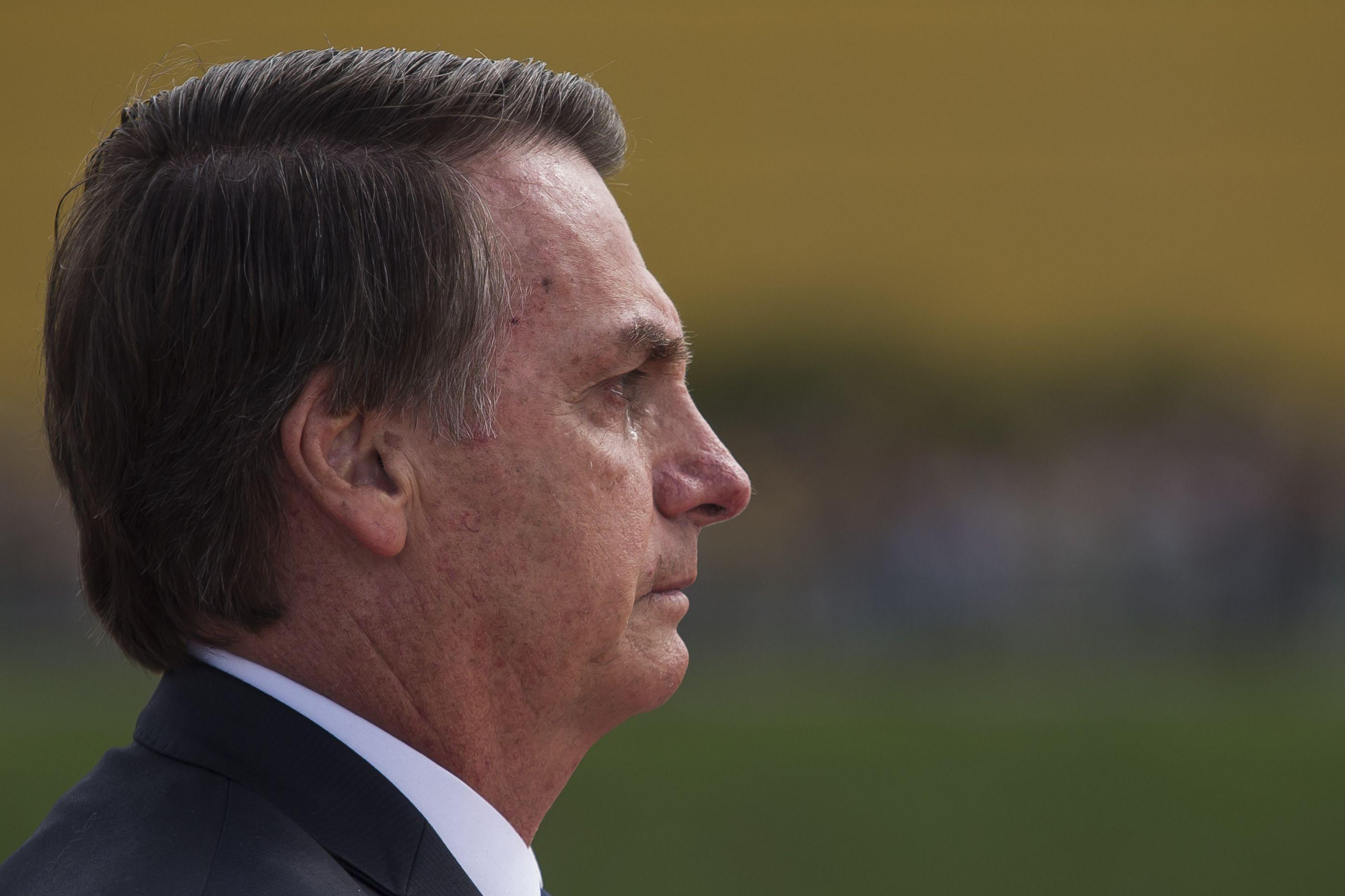 """""""Não entra qualquer um em nossa casa, não entrará qualquer um no Brasil"""""""