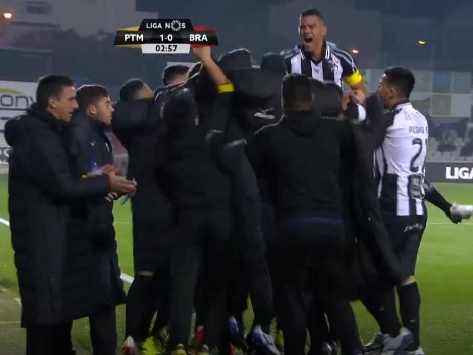 Tiago Sá ficou mal na 'foto' e o Sp. Braga já perde aos três minutos
