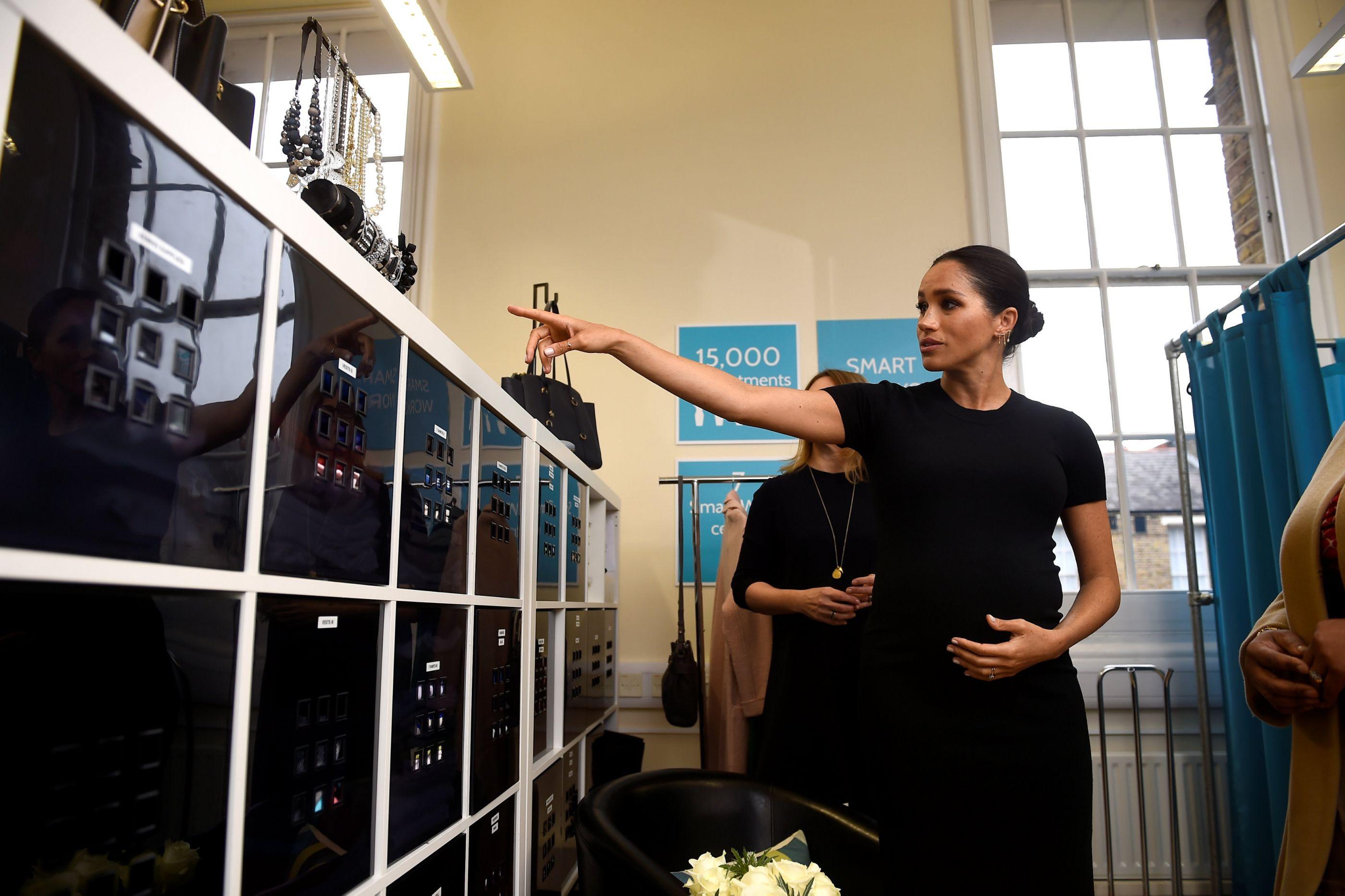 Grávida, Meghan Markle deslumbra numa importante visita como duquesa