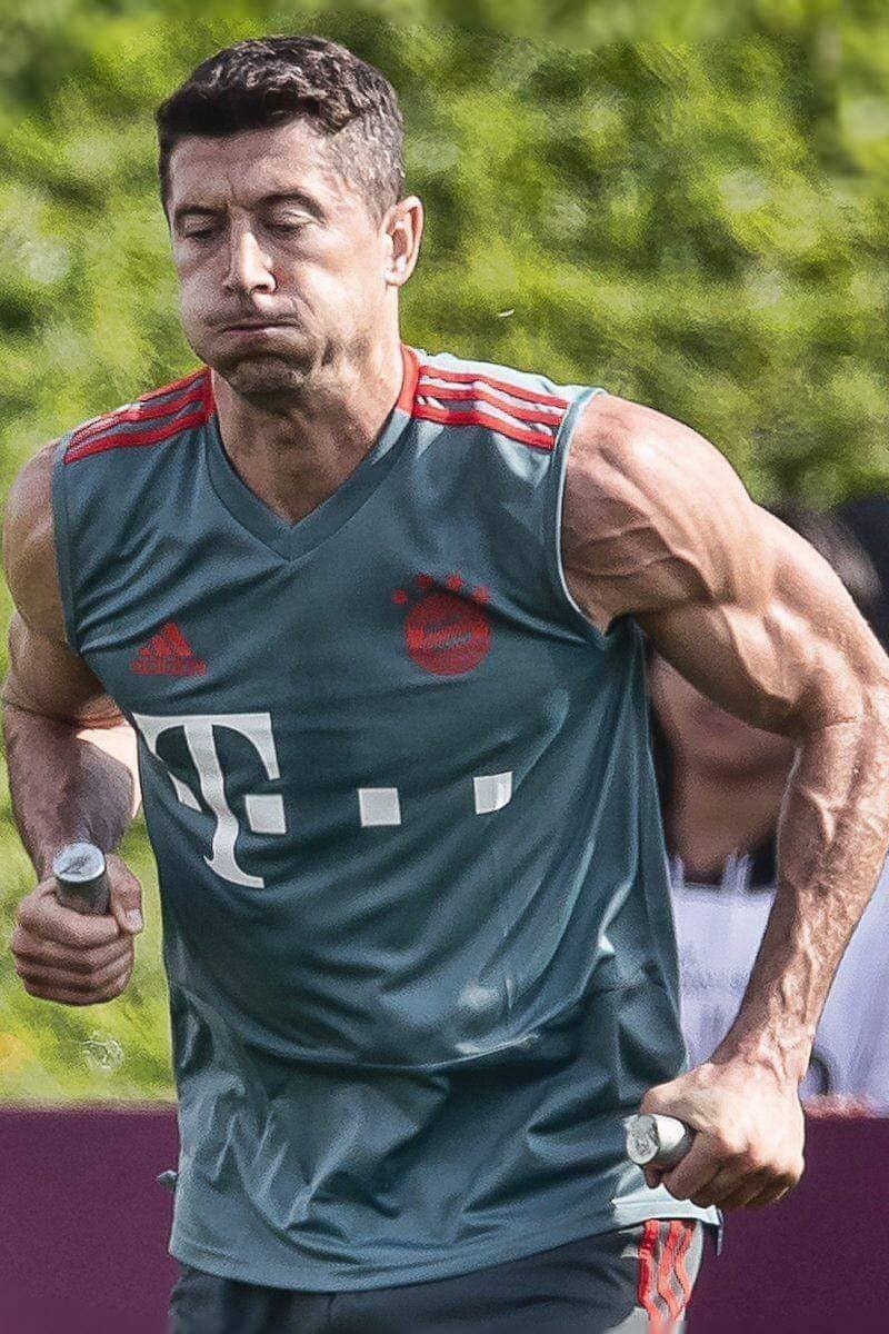 A imagem de Lewandowski que está a agitar as redes sociais