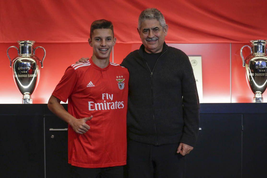 Oficial: Tiago Dantas renova com o Benfica até 2023