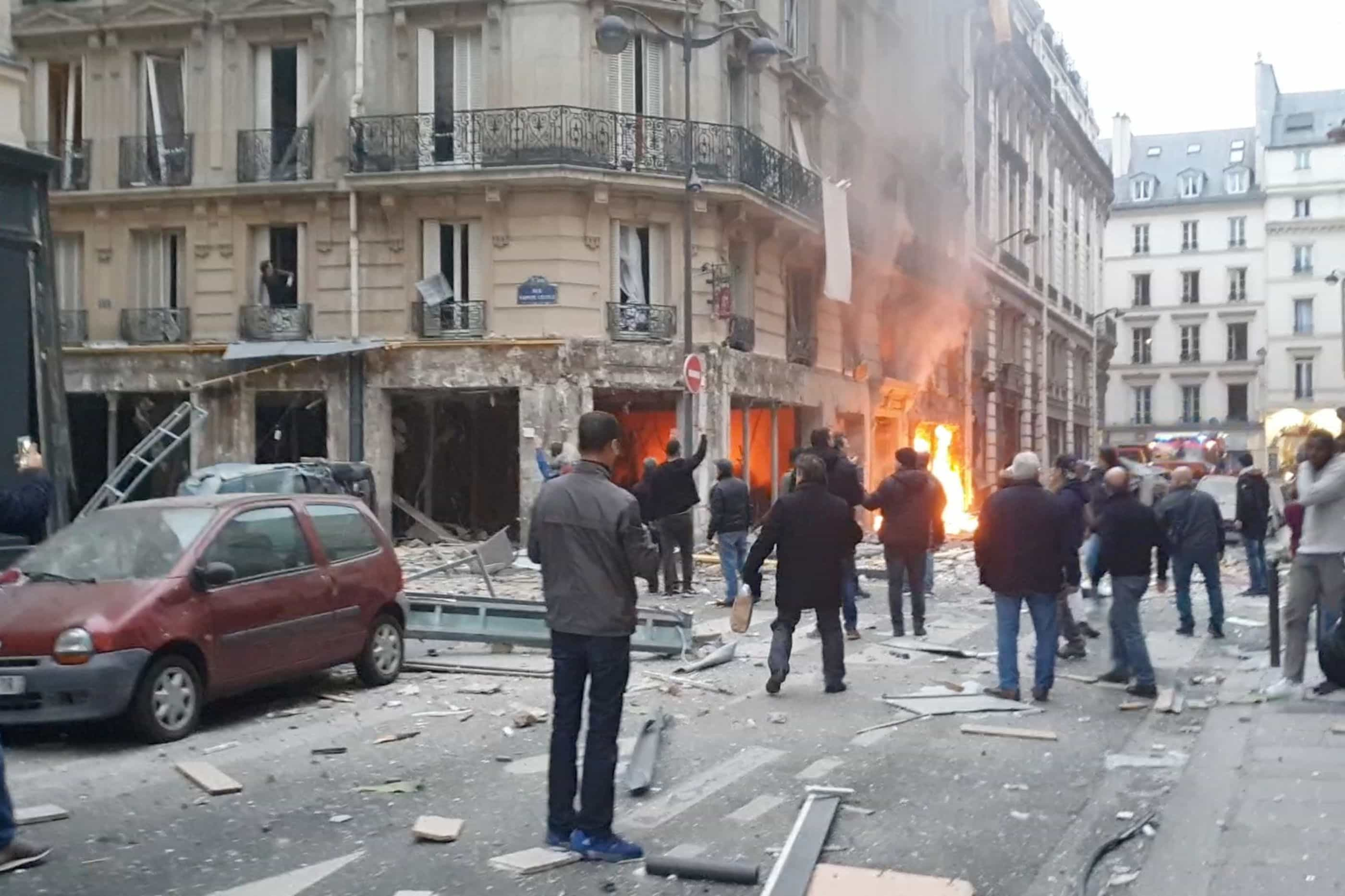 """Cidadã espanhola que morreu em Paris estava em """"viagem romântica"""""""