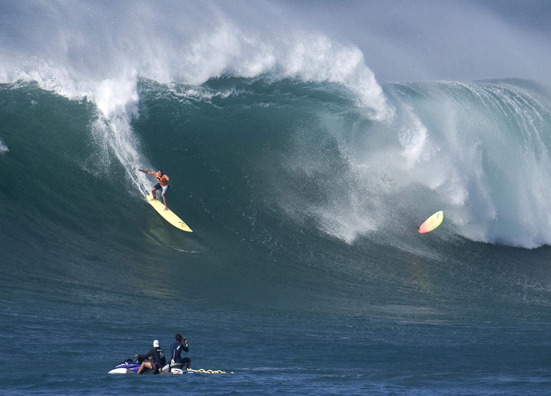 Seria capaz de surfar as ondas mais perigosas do mundo?
