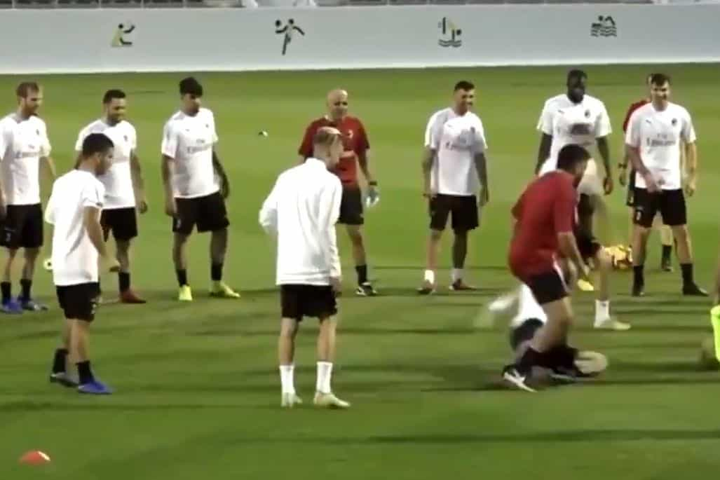 Higuaín entrou com tudo sobre Gattuso. Será que foi vingança?