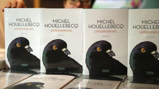 'Submissão' de Michel Houellebecq vai ser adaptado a série televisiva