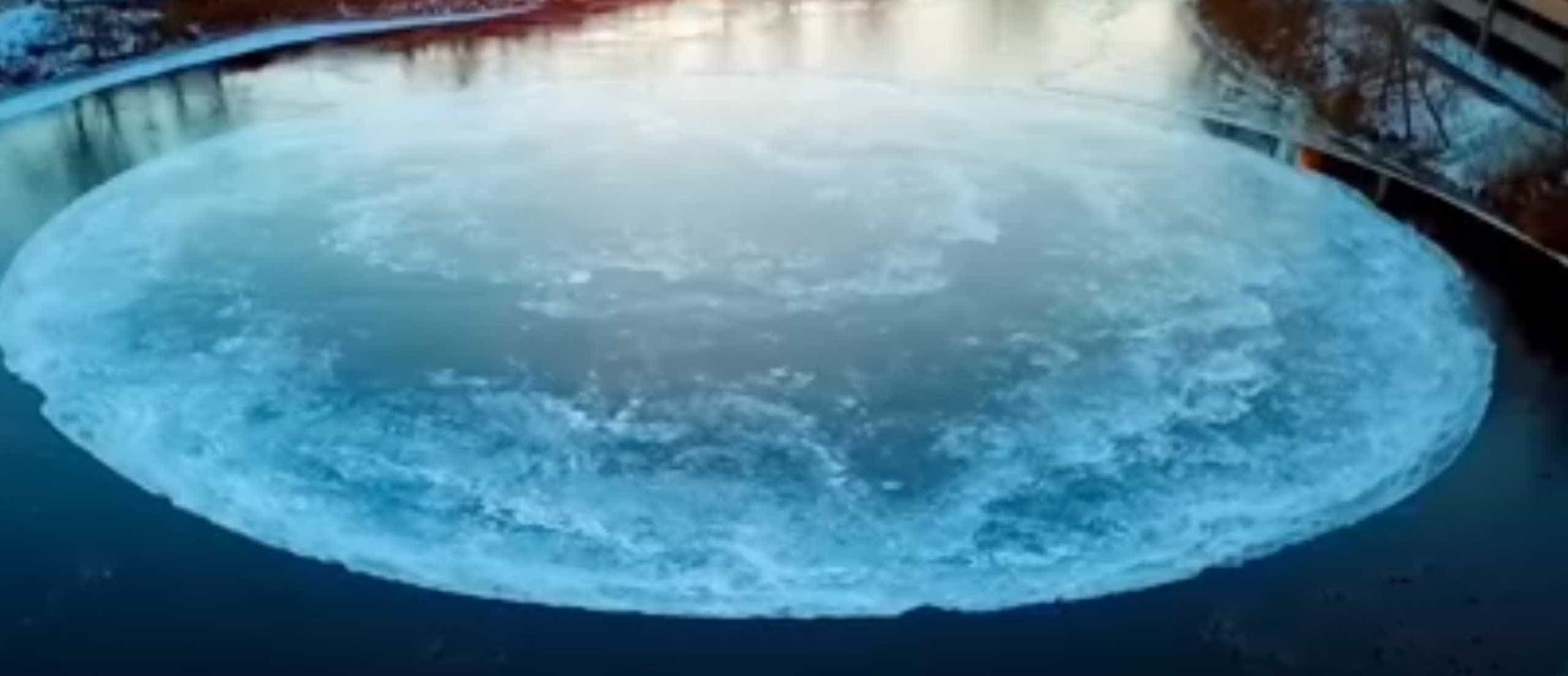 Disco de gelo formou-se num rio dos EUA e está a espantar o mundo