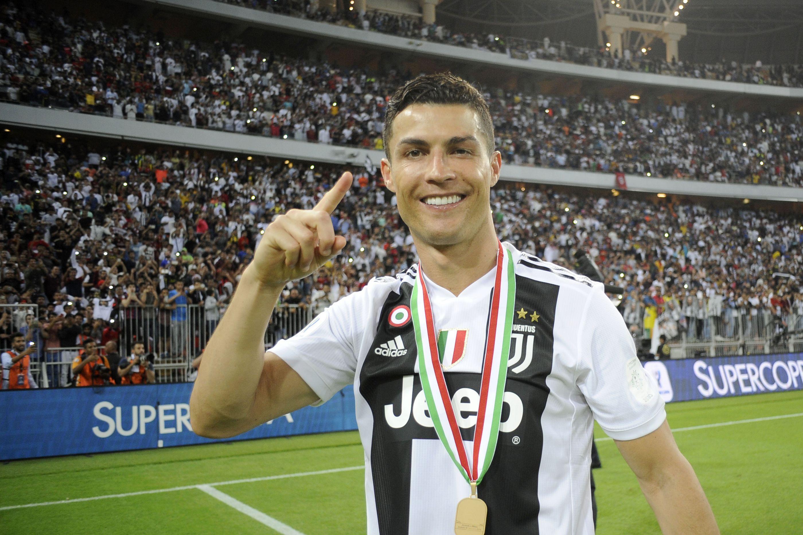 Ronaldo continua a fazer história e junta-se a lote restrito