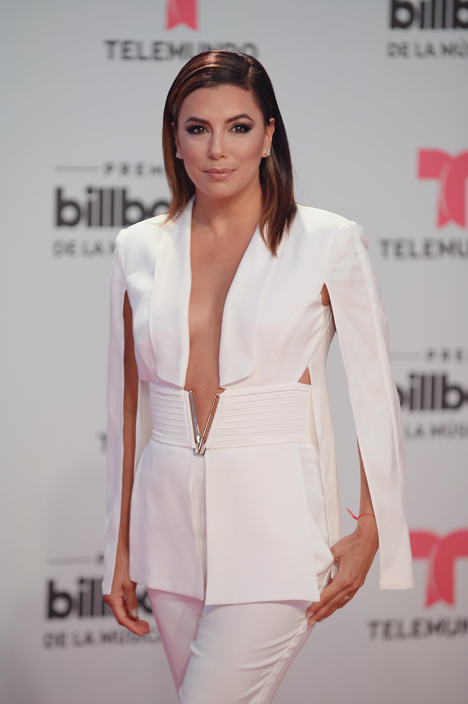 Blazer sem camisa: A que famosa ficou melhor este look?
