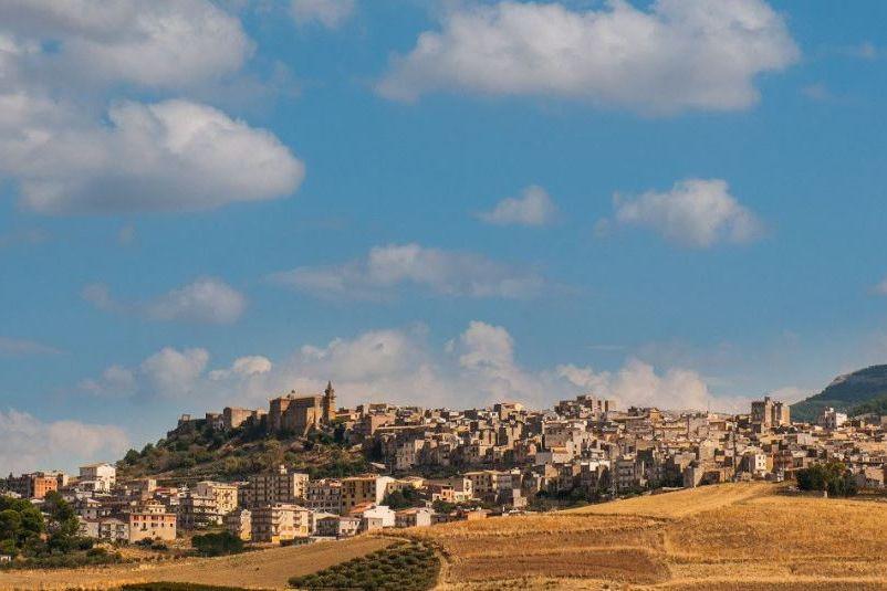 Há várias casas em Itália à venda por um euro (sim, um euro)