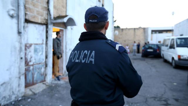 Vítima de violência doméstica faz agradecimento a agente da PSP de Almada