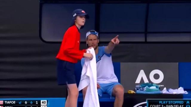 O cavalheiresco gesto de um tenista que já corre mundo